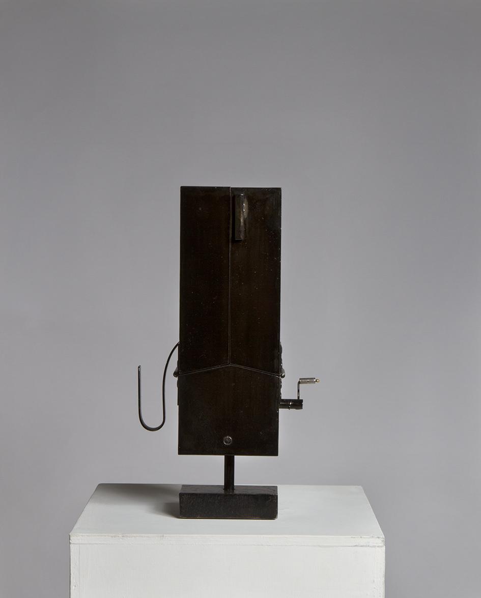 Danse des porte-couteaux (2017) H. 33cm L. 19cm Ouverte 38cm P. 9cm